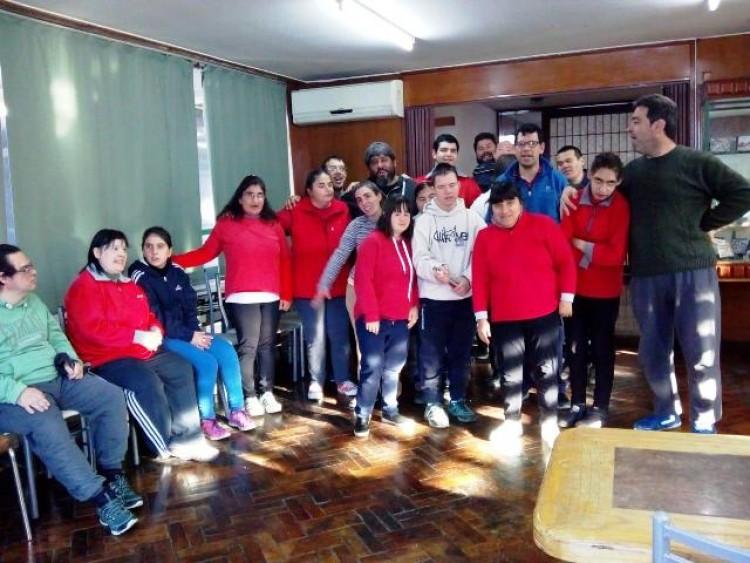 Participantes del taller en el Instituto Convivir