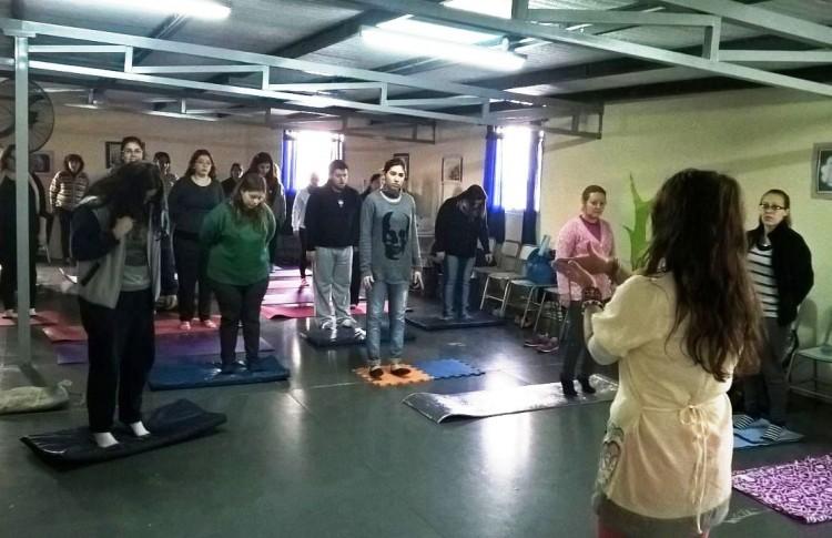 Egresados del CAPE dictaron taller de Educación Emocional y Social en jardín de Las Heras