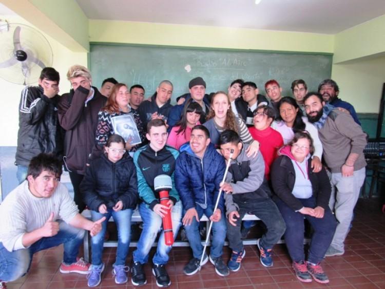 Participantes del taller en la Escuela Nº 7-001 de Arte Aplicado