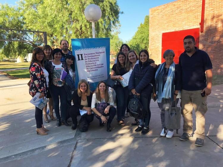 Delegación de la Facultad participó de un Encuentro Nacional sobre formadores de Primaria e Inicial