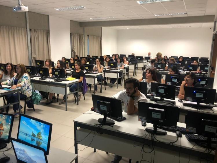 Formaron a docentes en ambientes virtuales de aprendizaje