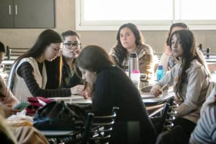Estudiantes avanzados de la Facultad podrán ser tutores en TRACES