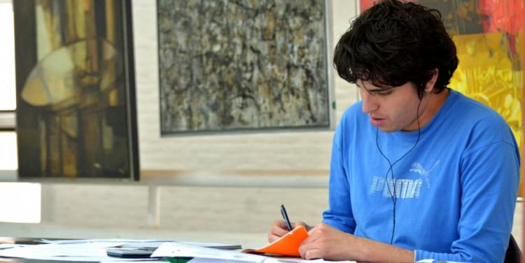 Incentivan a universitarios a escribir sobre Derechos Humanos