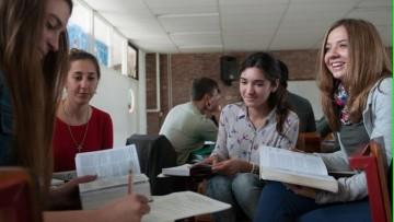 Beca pre profesional para estudiantes avanzados de nivel inicial