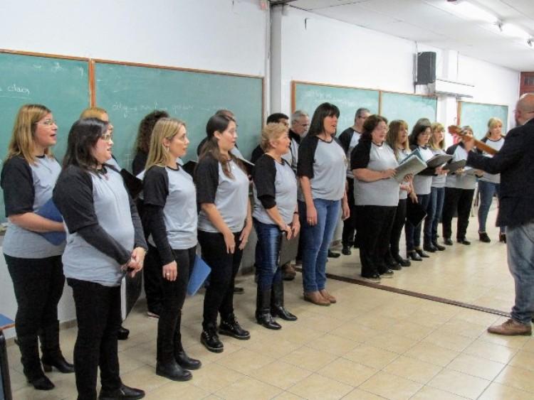 Realizaron un encuentro de coros en la Facultad