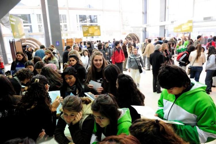 Convocan a estudiantes para ser informadores en la Expo 2016