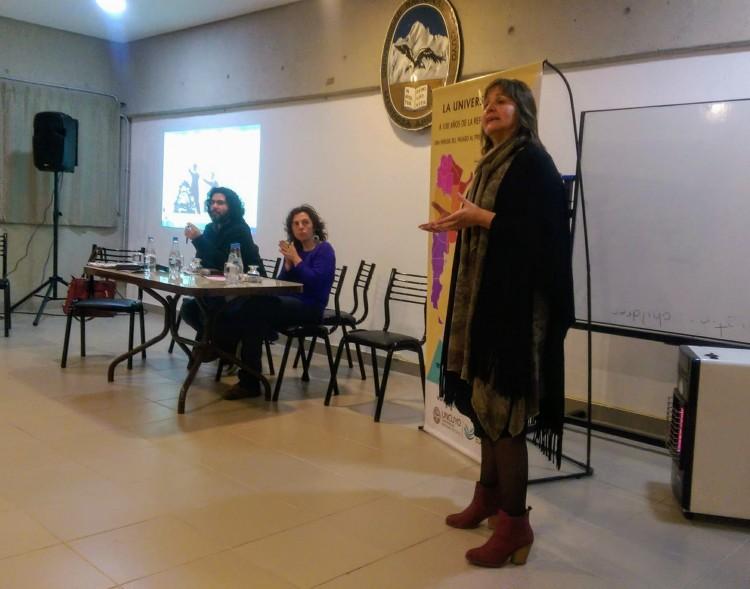 Se realizó el Conversatorio sobre el rol de la mujer en nuestras aulas