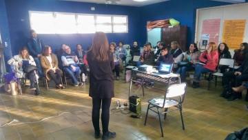 Docentes y estudiantes participaron del curso Radio en la escuela