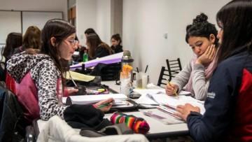 Inscriben a estudiantes de planes no vigentes para nueva tutoría