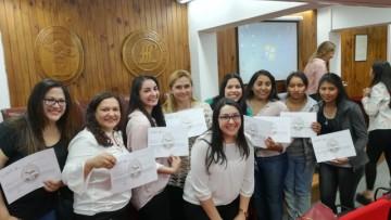 """Estudiantes de la Facultad recibieron sus certificados por curso """"Inglés para la UNCUYO"""""""