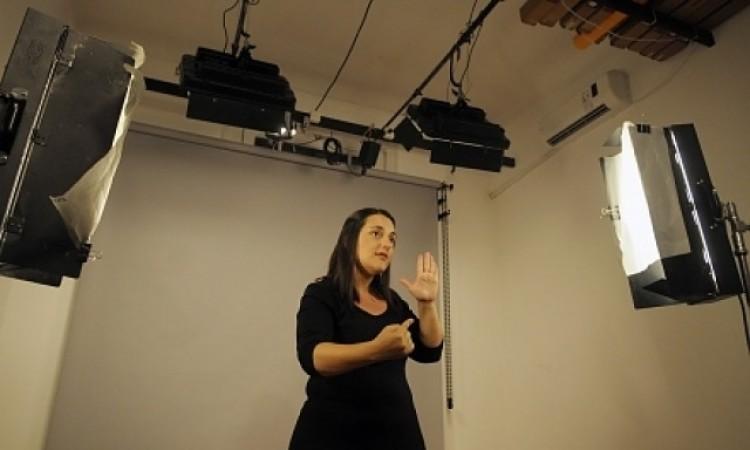 Feliz día para todos los intérpretes de Lengua de Señas Argentina
