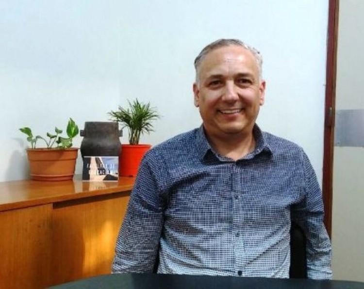 La educación para jóvenes y adultos implica una nueva modalidad, por el Prof. Osvaldo Ivars.