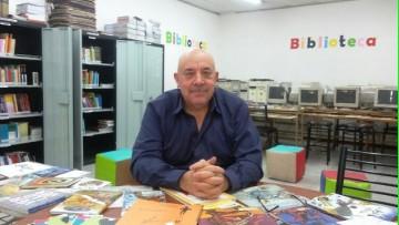 En una biblioteca escolar se fusionan maestros y alumnos, por Luis Lémole