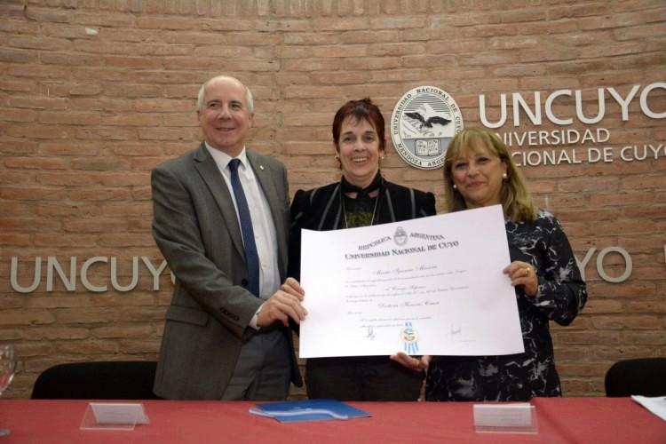 Dra. Maria Ignacia Massone: Doctora Honoris Causa