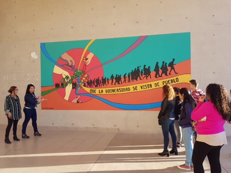 Un mural para reivindicar la participación popular y el trabajo comunitario