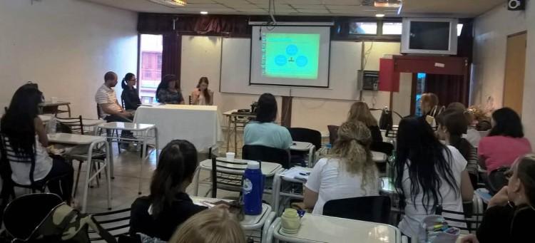 """""""Mujeres en situación de vulnerabilidad"""" fue tema de un panel en la FED"""