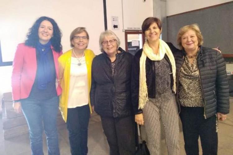 De izquierda a derecha: Paola Bruno, Elisabeth González, Elvira Arnoux, Adriana Speranza y Susana Ortega.