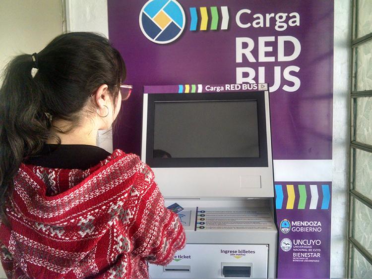 Se podrá recargar la Red Bus en terminal de autogestión en el Comedor
