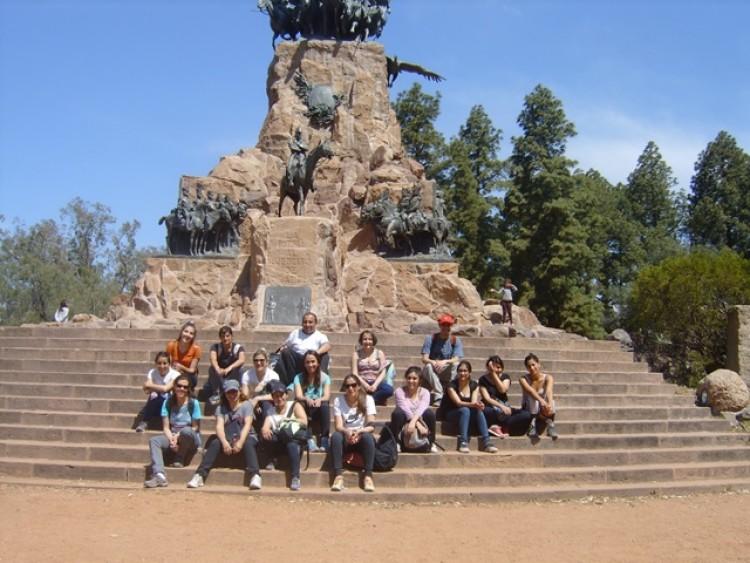 Estudiantes del Taller \Geografía de Mendoza\ visitaron el Cerro de la Gloria