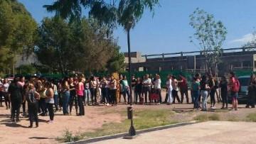 La Facultad de Educación participó de un simulacro sísmico provincial