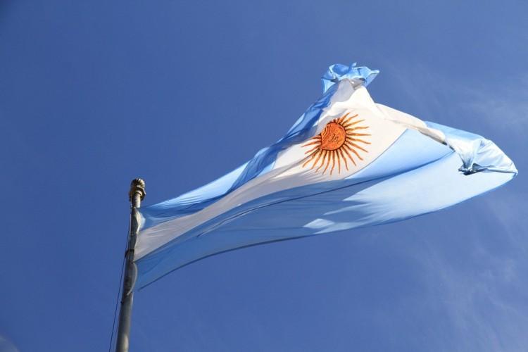 20 de junio: creación de la bandera como símbolo del nuevo orden político