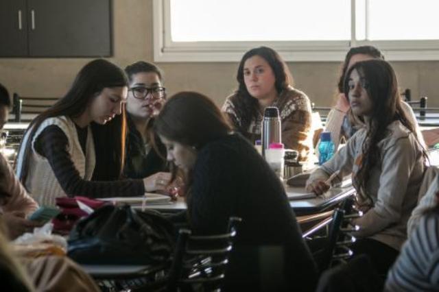 Cobro de Becas de Ayuda Económica y Becas de Práctica de la Facultad