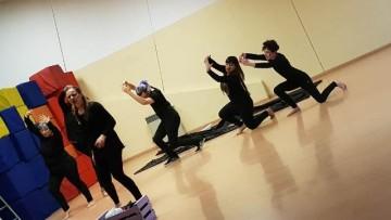El teatro como herramienta para la formación en lengua de señas