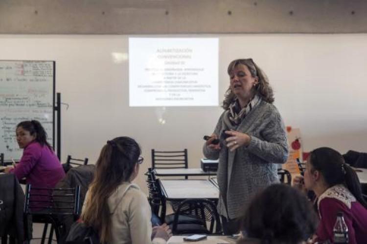 Concursos docentes para espacios curriculares en la Facultad de Filosofía y Letras