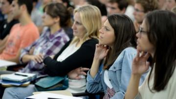 Alumnos de posgrado podrán estudiar en el exterior