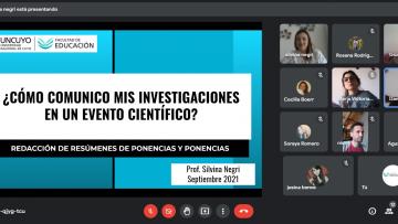 Capacitan en comunicación de investigaciones en eventos científicos