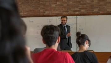 Universitarios pueden asesorarse en sus derechos estudiantiles