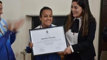 Patinadora con discapacidad que ganó el Sudamericano recibió un reconocimiento