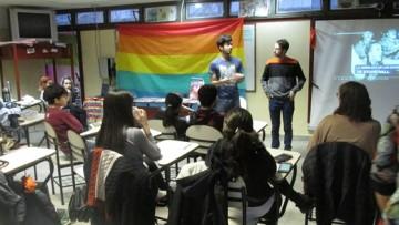 Realizaron un cine debate por el Día del Orgullo LGBT