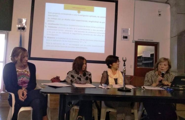 La profesora Susana Ortega de Hocevar en el panel de expertas: