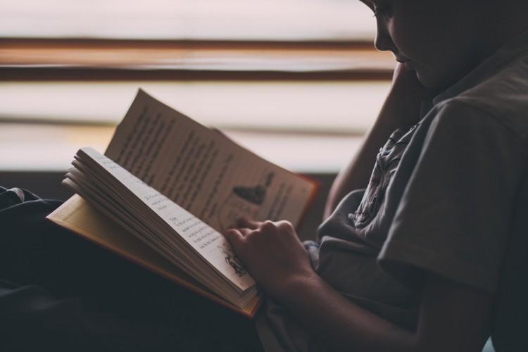 Literatura Infantil y Juvenil es tema de análisis en un Simposio