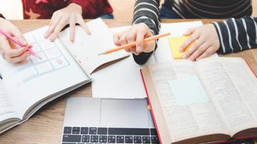 Convocan a postular a becas de investigación y posgrado para el 2021